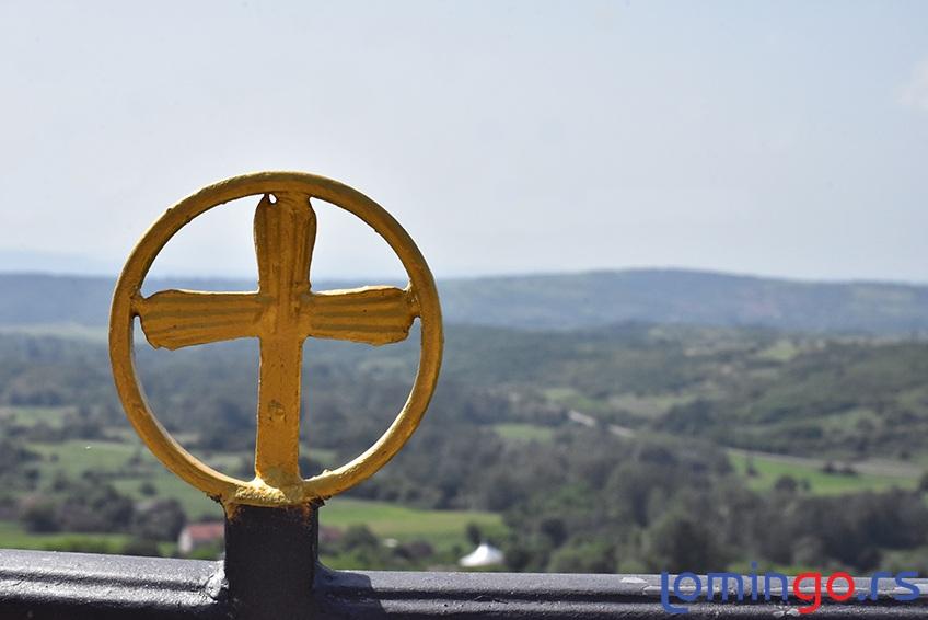pogled-sa-mapogled-sa-manastira-lešje-lomingo-travelnastira-grza-lomingo-travel