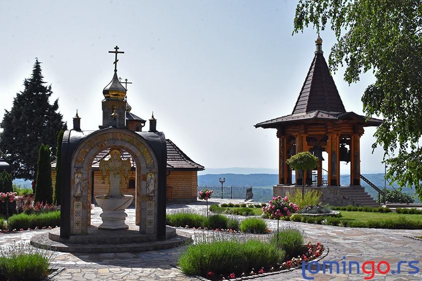 prelep-manastir-lesje-lomingo-travel